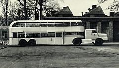 И вот в 1953 году инженеры фирмы LOWA Werdau спроектировали двухэтажный пассажирский полуприцеп...